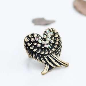 DAKARI   Retro Eagle Heart Shaped Rhinestone Ring