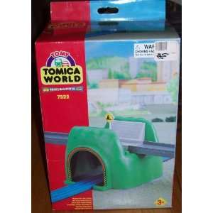 TOMICA WORLD Road & Rail System 7522 Bridge Tunnel: Toys