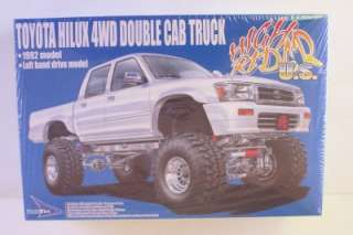 92 Toyota 4x4 LIFTED Double Cab Pickup Truck Aoshima 124 Kit Sealed