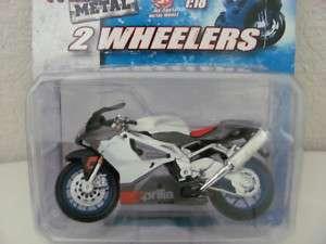 MAISTO 2 WHEELERS 118 MOTORCYCLE APRILIA FRESH METAL