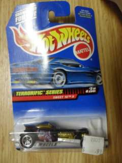 1998 Mattel Toys HOT WHEELS Sweet 16 II #979 NIB