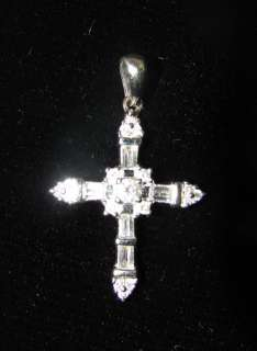 UNIQUE DESIGN    0.30 ct DIAMOND CROSS PENDANT White Gold 14K
