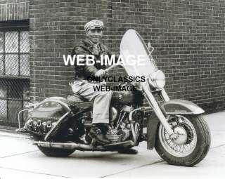 1950 DRESSED HARLEY DAVIDSON MOTORCYCLE & RIDER PHOTO