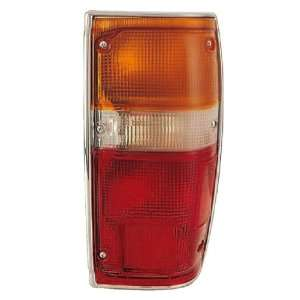 TOYOTA PICK UP 2/4WD LEFT TAIL LIGHT 84 88 NEW: Automotive