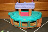 FISHER PRICE LITTLE PEOPLE NOAHS ARK ANIMALS BOAT