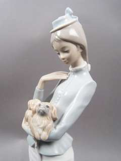 Lladro Lady A Walk with the Dog Porcelain Figurine #4893 Retired