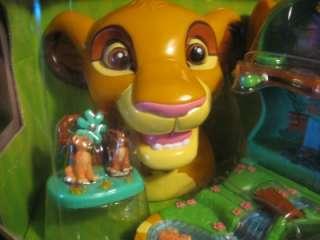 Disney Resorts  1999  LION KING POLLY PLAYSET SIMBA PORTRAIT PLAYCASE