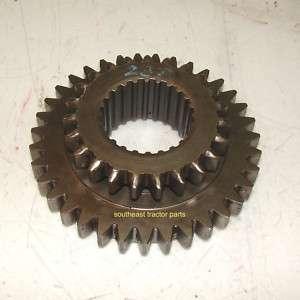 John Deere 1010 Transmission Gear T18262T