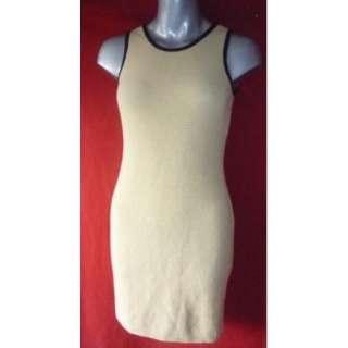ST JOHN Collection Yellow & Black Trim Nubby Sweater Dress size 4 S