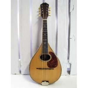 1920 MARTIN STYLE C MANDOLIN: Musical Instruments