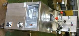 BKI Pressure Fryer 4 Broasted Chicken Electric